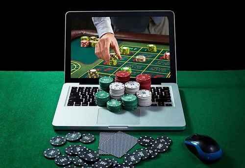 Online Gambling 1024x704 1 - 5 سایت پوکر با تراشه های رایگان ایرانی و خارجی و همچنین آموزش دریافت تراشه های رایگان آنها
